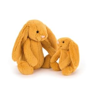 Dwa króliczki Jellycat w kolorze szafranu